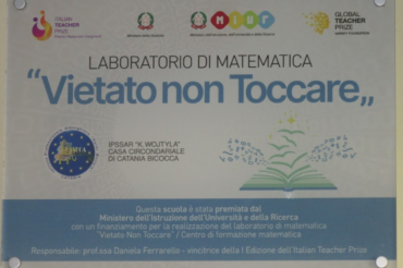 """""""Forbitten to touch"""" project wins Italian Teacher Prize."""
