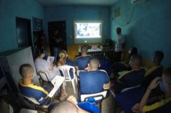 Cine Defensoria presents education as a perspective for life for adolescents at CEIP Norte, Santa Fé do Araguaia, Brazil